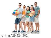 Купить «happy friends with beach and summer accessories», фото № 29524302, снято 30 июня 2018 г. (c) Syda Productions / Фотобанк Лори