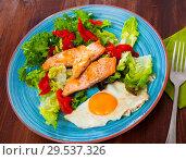 Купить «Low-calorie breakfast with roasted trout», фото № 29537326, снято 16 января 2019 г. (c) Яков Филимонов / Фотобанк Лори