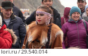 Купить «Young woman dancer in national clothing indigenous Kamchatka decorated with red fox», видеоролик № 29540014, снято 4 ноября 2018 г. (c) А. А. Пирагис / Фотобанк Лори