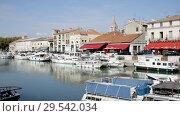 Купить «View of Beaucare town with coast and boats at riverside in France», видеоролик № 29542034, снято 13 октября 2018 г. (c) Яков Филимонов / Фотобанк Лори