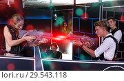 Купить «guy and girl laser weapons», фото № 29543118, снято 27 августа 2018 г. (c) Яков Филимонов / Фотобанк Лори