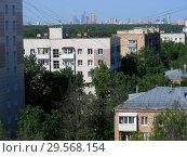 Купить «Девятиэтажный одноподъездный блочный жилой дом серии II-18-01/09 МИБ, построен в 1962 году. 11-я Парковая улица, 1/89 корпус 1. Район Восточное Измайлово. Город Москва», эксклюзивное фото № 29568154, снято 8 июня 2015 г. (c) lana1501 / Фотобанк Лори
