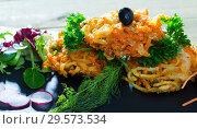 Купить «Deep-fried vegetables with greens, radish, black olives», фото № 29573534, снято 22 января 2019 г. (c) Яков Филимонов / Фотобанк Лори