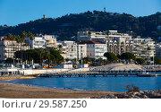 Купить «Embankment of Cannes», фото № 29587250, снято 3 декабря 2017 г. (c) Яков Филимонов / Фотобанк Лори