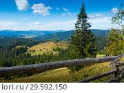 Купить «Mountain landscape in Bukovina, Romania», фото № 29592150, снято 16 января 2019 г. (c) Яков Филимонов / Фотобанк Лори