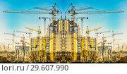 Купить «Строительство нового жилого домов на фоне  неба», фото № 29607990, снято 24 декабря 2018 г. (c) Сергеев Валерий / Фотобанк Лори