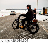 Купить «This years Pioneer run for pre-1915 motor cycles had its route cut short due to the weather. But one brave soul Fin Reynolds from Redhill wasn't going...», фото № 29610806, снято 18 марта 2018 г. (c) age Fotostock / Фотобанк Лори