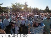 Купить «Крестный ход в Бобреневом монастыре», эксклюзивное фото № 29618050, снято 21 сентября 2018 г. (c) Дмитрий Неумоин / Фотобанк Лори
