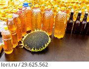 Купить «Fresh sunflower oil at the farmers market», фото № 29625562, снято 22 сентября 2018 г. (c) FotograFF / Фотобанк Лори