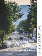 Nagorno Karabakh Republic, Stepanakert, Azatamartikneri Poghota Street, traffic, dawn. Стоковое фото, фотограф Walter Bibikow / age Fotostock / Фотобанк Лори