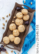 Купить «Traditional Moroccan cookie with sesame seeds», фото № 29646518, снято 5 января 2019 г. (c) Марина Сапрунова / Фотобанк Лори
