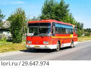 Купить «Daewoo BS106F», фото № 29647974, снято 11 июля 2010 г. (c) Art Konovalov / Фотобанк Лори