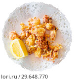 Chipirones, battered fried baby squid. Стоковое фото, фотограф Яков Филимонов / Фотобанк Лори