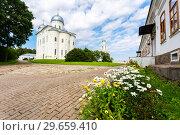 Купить «St. George (Yuriev) Orthodox Male Monastery in Veliky Novgorod, Russia», фото № 29659410, снято 17 августа 2017 г. (c) FotograFF / Фотобанк Лори
