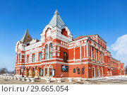 Купить «View on historic building of drama theater in sunny winter day», фото № 29665054, снято 17 февраля 2018 г. (c) FotograFF / Фотобанк Лори