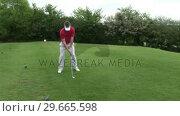 Купить «Man playing Golf», видеоролик № 29665598, снято 7 июня 2007 г. (c) Wavebreak Media / Фотобанк Лори