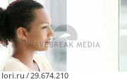 Купить «Portrait of businesswoman during her break», видеоролик № 29674210, снято 22 мая 2019 г. (c) Wavebreak Media / Фотобанк Лори