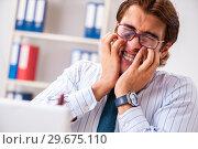 Купить «Businessman disgusted with cockroaches in the office», фото № 29675110, снято 25 сентября 2018 г. (c) Elnur / Фотобанк Лори