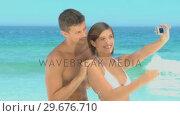 Sweet couple taking a photo. Стоковое видео, агентство Wavebreak Media / Фотобанк Лори