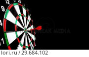 Dart hitting the bulls eye side view. Стоковое видео, агентство Wavebreak Media / Фотобанк Лори