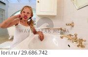 Cute little girl brushing her teeth. Стоковое видео, агентство Wavebreak Media / Фотобанк Лори