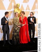 Купить «90th Annual Academy Awards - Press Room Featuring: Sam Rockwell, Frances McDormand, Allison Janney, Gary Oldman Where: Hollywood, California, United States...», фото № 29693886, снято 4 марта 2018 г. (c) age Fotostock / Фотобанк Лори