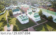 Купить «View from drones of Spaso-Preobrazhensky monastery in Murom», видеоролик № 29697694, снято 27 июня 2018 г. (c) Яков Филимонов / Фотобанк Лори
