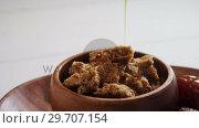 Купить «Honey pouring into cereal bowl 4k», видеоролик № 29707154, снято 13 июня 2017 г. (c) Wavebreak Media / Фотобанк Лори