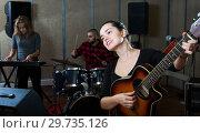 Купить «Repetition of music garage band», фото № 29735126, снято 26 октября 2018 г. (c) Яков Филимонов / Фотобанк Лори
