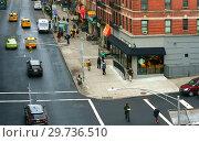 Broadway and125th Street. Нью-Йорк, США (2018 год). Редакционное фото, фотограф Валерия Попова / Фотобанк Лори