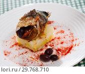 Купить «Baked scomber fillet roll», фото № 29768710, снято 25 января 2020 г. (c) Яков Филимонов / Фотобанк Лори