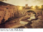 Купить «Medieval bridge in Lagrasse, France», фото № 29768822, снято 6 октября 2018 г. (c) Яков Филимонов / Фотобанк Лори