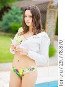 Купить «Charming young brunette.», фото № 29778870, снято 1 июня 2016 г. (c) Сергей Сухоруков / Фотобанк Лори