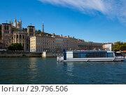 Купить «Pleasure ship sailing on Saone river, Lyon», фото № 29796506, снято 12 октября 2018 г. (c) Яков Филимонов / Фотобанк Лори