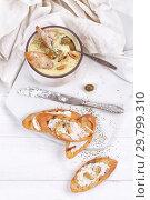Купить «French puree soup with parsnip, soft cheese baguette.», фото № 29799310, снято 27 января 2019 г. (c) Марина Володько / Фотобанк Лори