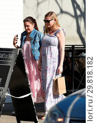 Купить «Pregnant Kirsten Dunst has lunch and gets coffee with a friend Featuring: Kirsten Dunst Where: Los Angeles, California, United States When: 31 Jan 2018 Credit: WENN.com», фото № 29818182, снято 31 января 2018 г. (c) age Fotostock / Фотобанк Лори