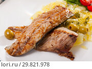 Купить «Fried mackerel fillets with mashed potatoes», фото № 29821978, снято 19 июля 2019 г. (c) Яков Филимонов / Фотобанк Лори