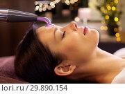 Купить «woman having hydradermie facial treatment in spa», фото № 29890154, снято 26 января 2017 г. (c) Syda Productions / Фотобанк Лори