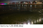 Купить «Moskva River on a winter evening, Moscow, Russia», видеоролик № 29898662, снято 7 февраля 2019 г. (c) Владимир Журавлев / Фотобанк Лори