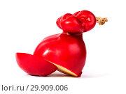 Купить «Твёрдый копчёный сыр ручной работы в парафиновой оболочке», фото № 29909006, снято 13 января 2019 г. (c) V.Ivantsov / Фотобанк Лори