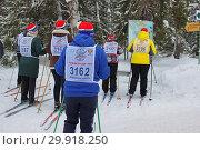 Купить «Спортивное массовое мероприятие «Лыжни России» 2019», фото № 29918250, снято 9 февраля 2019 г. (c) Ирина Краснова / Фотобанк Лори