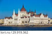 Купить «Parliament of Budapest», фото № 29919362, снято 4 ноября 2017 г. (c) Яков Филимонов / Фотобанк Лори