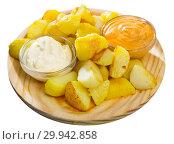 Купить «Patatas bravas with garlic mayonnaise and sauce», фото № 29942858, снято 17 июля 2019 г. (c) Яков Филимонов / Фотобанк Лори
