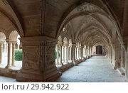 View of Vallbona de les Monges interior (2019 год). Стоковое фото, фотограф Яков Филимонов / Фотобанк Лори