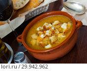 Купить «Vegetable soup puree with croutons and cheese», фото № 29942962, снято 24 апреля 2019 г. (c) Яков Филимонов / Фотобанк Лори