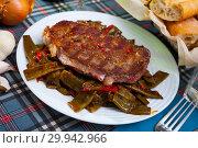 Купить «Beef entrecote with string beans and bell pepper», фото № 29942966, снято 18 марта 2019 г. (c) Яков Филимонов / Фотобанк Лори