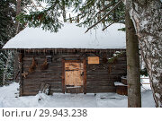 Купить «Antique wooden barn house», фото № 29943238, снято 3 декабря 2018 г. (c) Jan Jack Russo Media / Фотобанк Лори