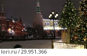 Christmas (New Year holidays) decoration in Moscow (at night), Russia-- Manege Square near the Kremlin (2019 год). Стоковое видео, видеограф Владимир Журавлев / Фотобанк Лори