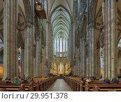 Купить «Интерьер Кёльнского собора, Германия», фото № 29951378, снято 10 декабря 2018 г. (c) Михаил Марковский / Фотобанк Лори