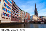 Hamburg cityscape, Germany (2018 год). Стоковое фото, фотограф EugeneSergeev / Фотобанк Лори